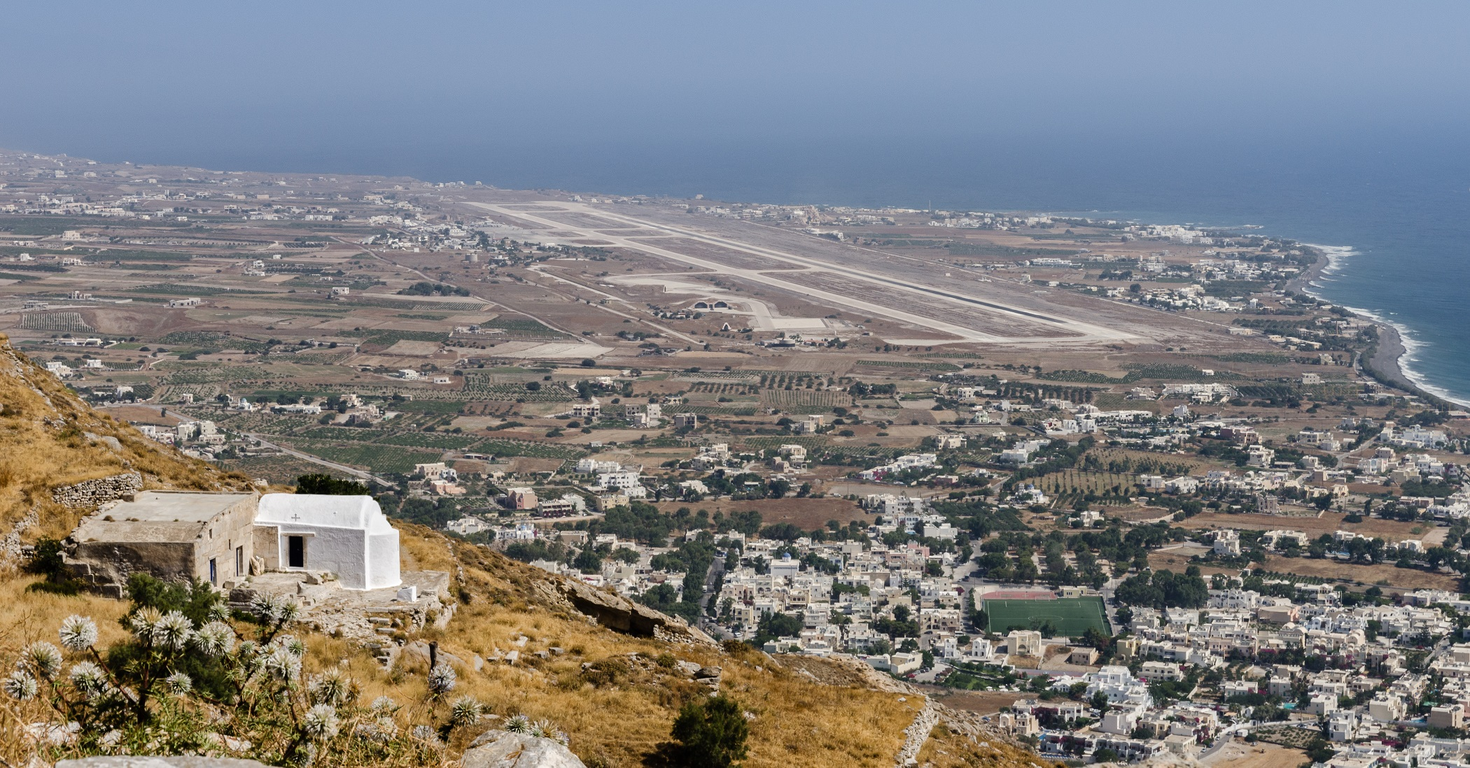Heeron - Airport and Kamari seen from Messa Vouno